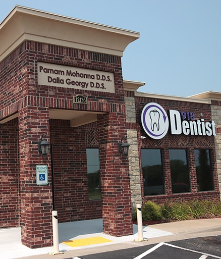 Glenpool dental practice exterior